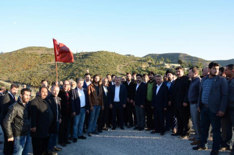 Destici, Türkmenlere destek için hudut sınırında