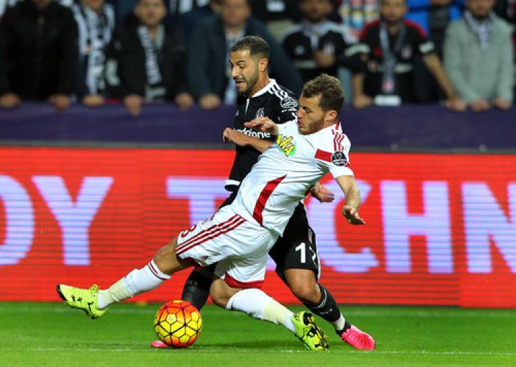 Beşiktaş: 1 – Medicana Sivasspor: 0 (İlk yarı)