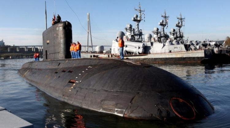 """""""İngiliz savaş gemileri Rus denizaltısının peşine düştü"""""""