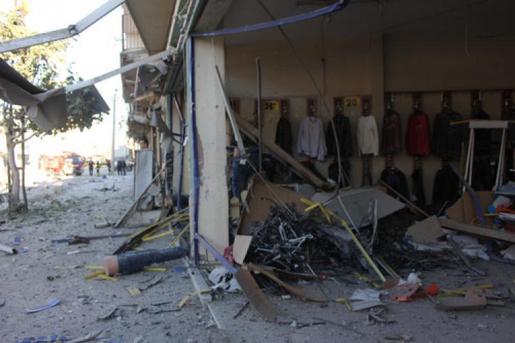 Adana'da bomba yüklü araç patlatıldı