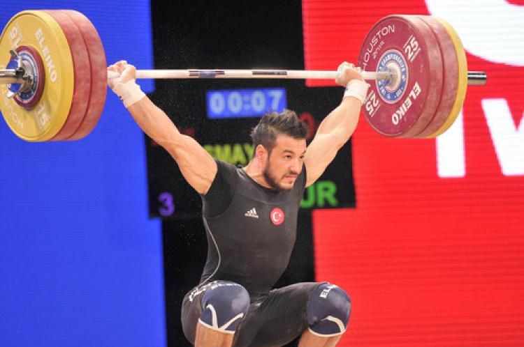 Halterde Daniyar İsmayilov, dünya şampiyonu oldu