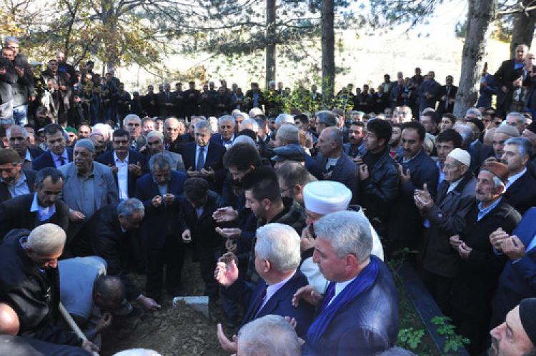 Kamran İnan Bitlis'te toprağa verildi