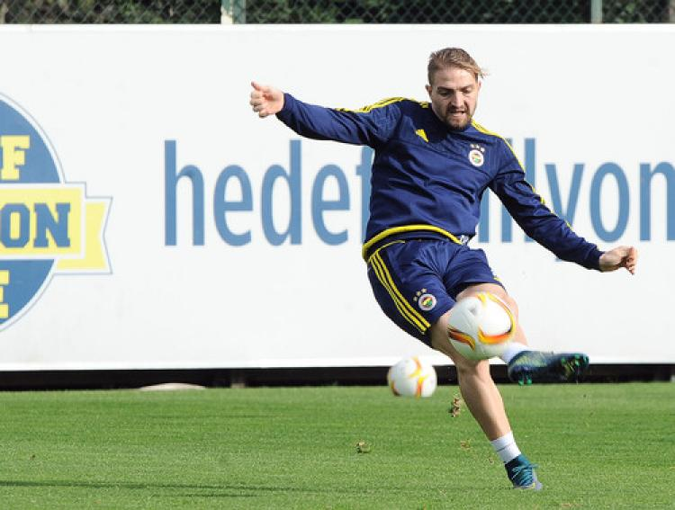 Fenerbahçe'de Caner müjdesi