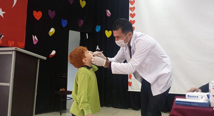 Özel Celal Değer Okulları öğrencilerine diş sağlığı taraması yapıldı