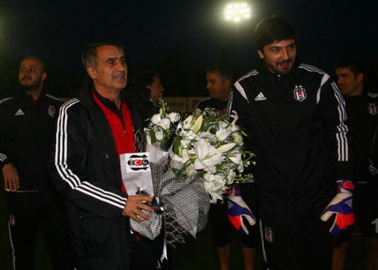 Beşiktaş'ta Şenol Güneş'e sürpriz kutlama