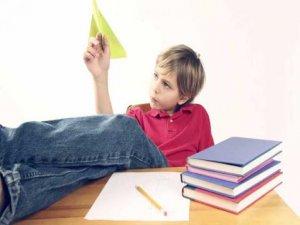 Çocuğunuz dikkat dağınıklığı yaşıyor olabilir!
