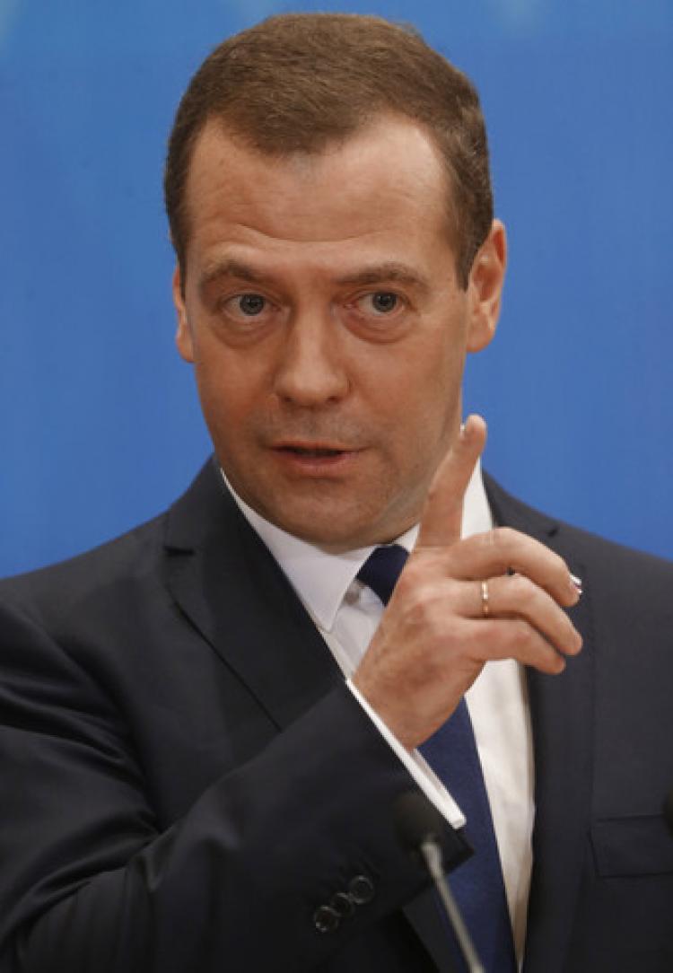 Medvedev'in iddiası: Bazı Türk yetkililer, IŞİD'in petrolünden çıkar sağlıyor