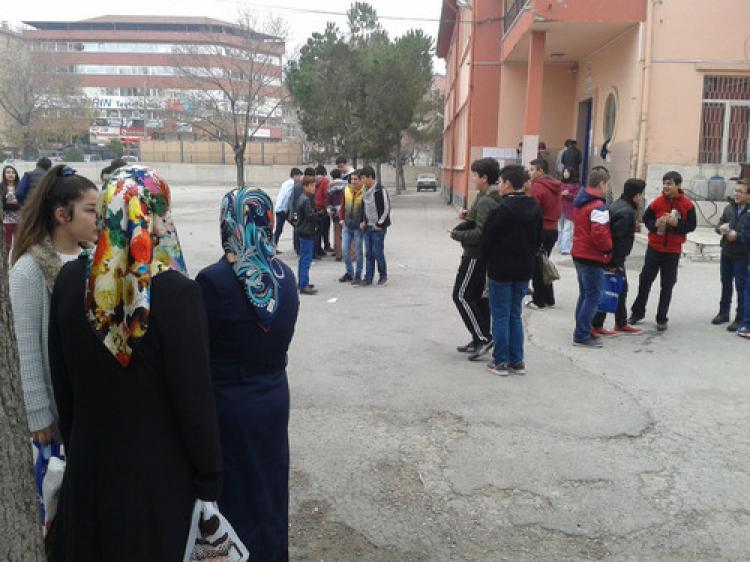 Sınava giren öğrenciler: Matematik zorladı, Türkçe ve Din Kültürü kolaydı