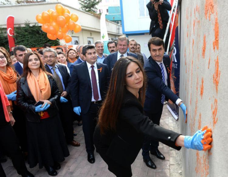 Bursa 'turuncu'ya boyanıyor