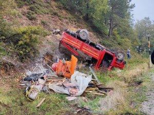Bursa'da feci kaza:3 yaralı