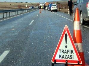 Bursa'da motosiklet ile otomobil çarpıştı