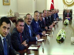 Başbakan Yıldırım, ihracatçılarla görüştü