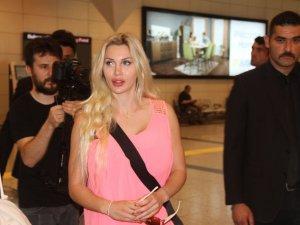 Canlı Barbie Pixee Fox İstanbul'a geldi