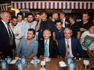 Kılıçdaroğlu, şehit aileleri ve gazilerle iftar yaptı