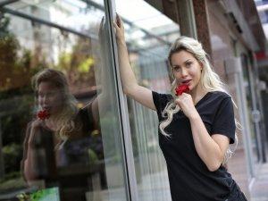 Canlı Barbie, İstanbul'da ameliyat oldu
