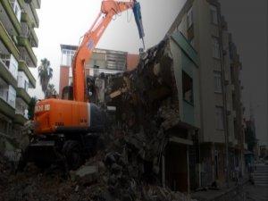 Bursa'da o apartman yıkılıyor!