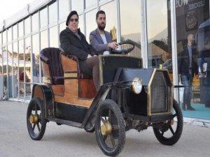 İnegöllü sanayici elektrikli yerli araç üretti