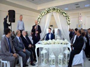 Fransız ve Türk Başkan nikah kıydı!