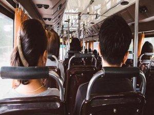 Halk otobüsünde iğrenç olay!