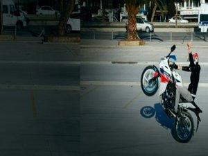 Motosikletli maganda polisleri canından bezdirdi!