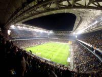 Milyonlarca kişi maçı stadyumda izledi