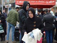Bursa'da ücretsiz torba dağıttılar!