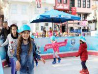 Başkan Türkyılmaz'dan çocuklara jest