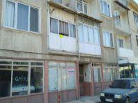 Bursa'da balkondan yere çakıldı