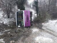 Halk otobüsü devrildi