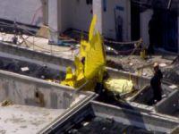 Apartmanın çatısına uçak düştü!