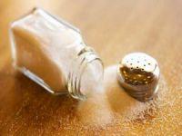 Yemeklere tuz eklemekten vazgeçin