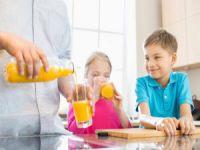 Meyve suyu çocukları nasıl etkiliyor?