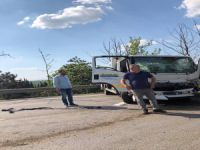 Bursa'da kamyonetler çarpıştı
