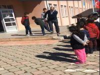 Öğrencileri döven müdür görevden alındı