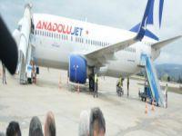 Bursa'da inişe geçen uçağa leylek çarptı