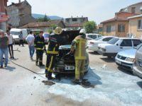 Bursa'da otomobil alevlere teslim oldu