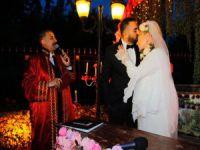 Zerrin Özer evlendi