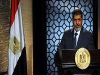 Mursi mahkemede hayatını kaybetti