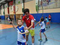 Genç badmintonculara millî destek