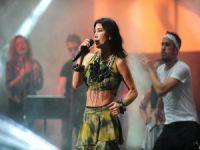Hande Yener Bursalıları coşturdu