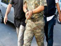 Görevdeki 28 askere gözaltı