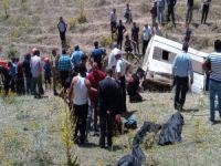Katliam gibi kaza:17 ölü 50 yaralı!