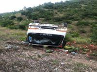 Bursa'da karpuz yüklü kamyonet devrildi