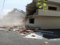 Bursa'da ruhsatsız binalar yıkılıyor!