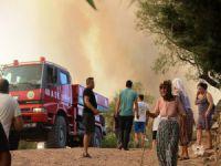 Orman yangınında alevler köylere ulaştı