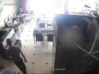 Bursa'da uyuyakalan iş yeri sahibi soyuldu