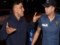 Reynmen muhabirlere saldırdı