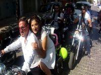 Bursa'da motor sırtında dünya evine girdiler