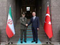 Akar, İran Savunma Bakanı'yla görüştü