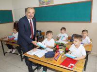 Öğrencilere ilk hediyeleri Türkyılmaz'dan